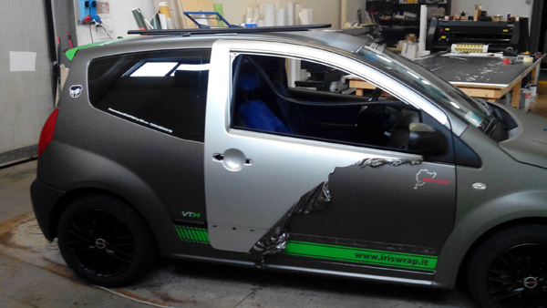 http://iriswrap.it/images/carwrapping//Sdecorazione C2 Wrapping.jpg