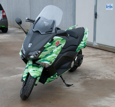http://iriswrap.it/images/carwrapping//T-max-mimetico3.jpg